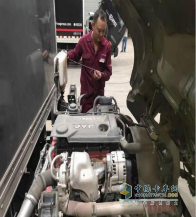 大理江淮服务站确保物资被顺利送到灾区
