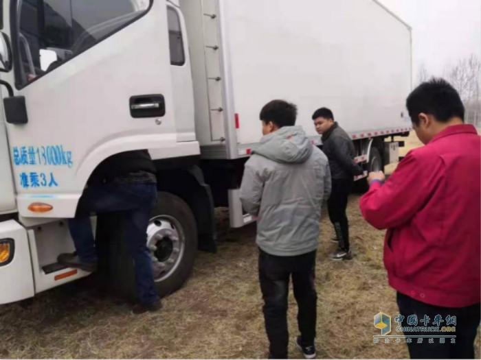 江淮轻卡请专业维修技师为九州通医药集团驾驶员培训