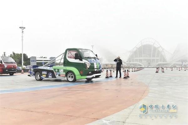 飞碟汽车  轻卡载货车