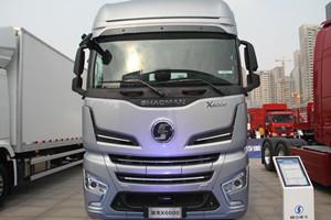 国六时代跑快递运输 德龙X6000 LNG牵引车分分钟适合你