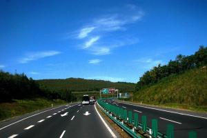 青岛胶州湾高速公路部分路段可免费通行