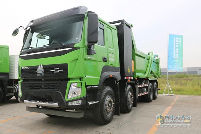 """重汽成商""""造豪沃V7-X重卡新能源商用车下线"""