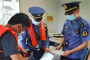 专项整治在行动 ----42种违法行为纳入首违预警 上海交通执法刚柔并济