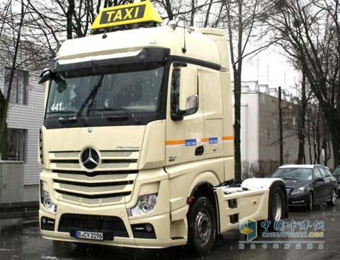 德国惊现奔驰actros卡车作出租车