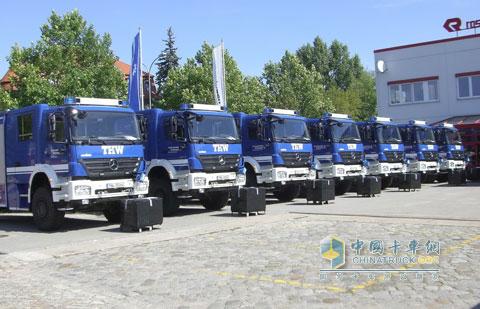 梅赛德斯奔驰axor1829a卡车 德国联邦技术救援局选择配 高清图片