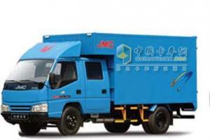 江铃 凯运轻卡 116马力 4×2 长轴双排厢货 载货车 JX1041TGB23
