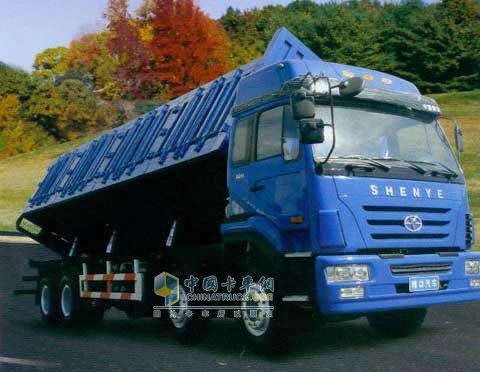 精功 远征 276马力 8×4 载货车