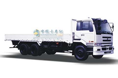 东风日产柴 优迪狮 280马力 6×4  载货车