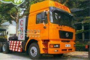 陕汽 德龙F2000  300马力 6X4 压缩天然气 牵引车