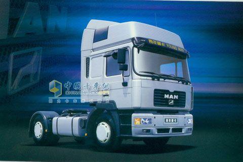 青年曼 280马力 4X2 牵引车 JNP4180FD1