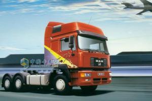 青年曼 300马力 6X4 牵引车 JNP4250FD1