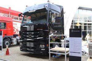 奔驰 Actros重卡 435马力 6×2 牵引车(黑曜石)(型号2644)