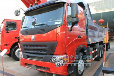 中国重汽 A7重卡 6×4 自卸车