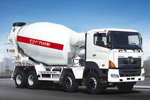 广汽日野 700系列 350马力 8×4 混凝土搅拌车YC5310GJBFY2PU