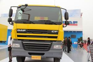 佩卡 达夫 CF系列重卡 462马力 8X4 自卸车
