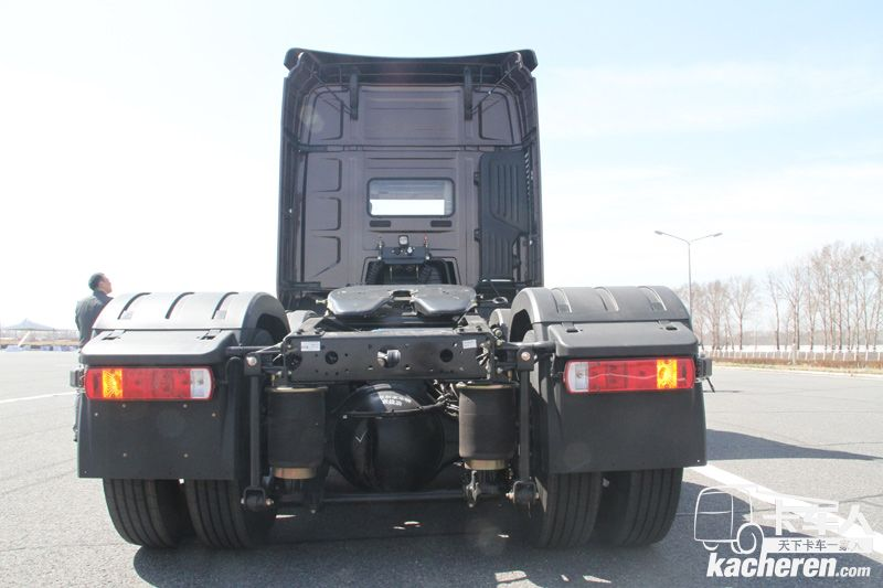一汽解放 J7重卡 500馬力 6X4 國五牽引車(CA4250P77K25T1E5)