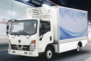 吉利远程 E200 4.5T 3.9米单排厢式纯电动冷藏车(DNC5042XLCBEVK3)