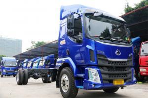 东风柳汽 新乘龙M3中卡 180马力 4X2 国五6.75米排半厢式载货车(LZ5166XXYM3AB)