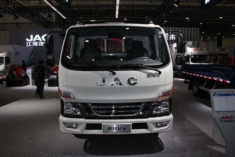 江淮 骏铃VS 130马力 4×2 国六 平板载货车
