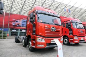 一汽解放 新J6P重卡 南方版 420马力 8X4 国五载货车底盘(CA1310P66K24L7T4E5)