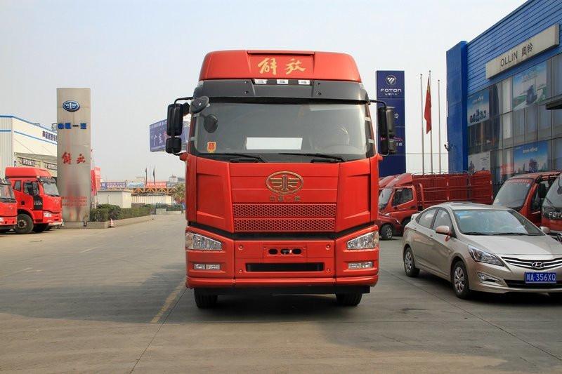 一汽解放 J6P重卡 460马力 6X4 国五危险品牵引车(大单胎)(CA4250P66K24T1A9E5)