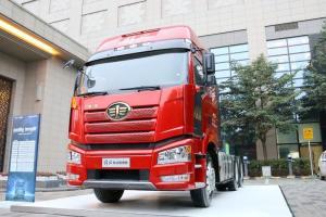 一汽解放 新J6P重卡 375马力 6X4 国五LNG牵引车(CA4250P66T1A2E24M5)