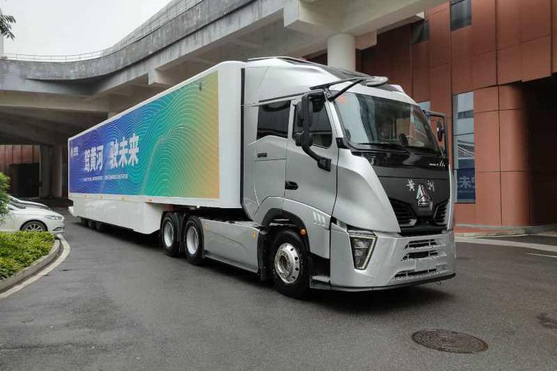 中国重汽 黄河重卡 600马力 6×4 国六 牵引车 (ZZ4257W344XF1)