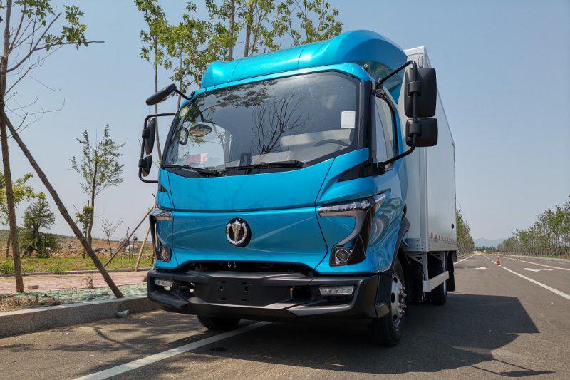 飞碟汽车 W5 130马力 4×2 国六 4.18米 单排厢式载货车(FD5040XXYW68K6-1)