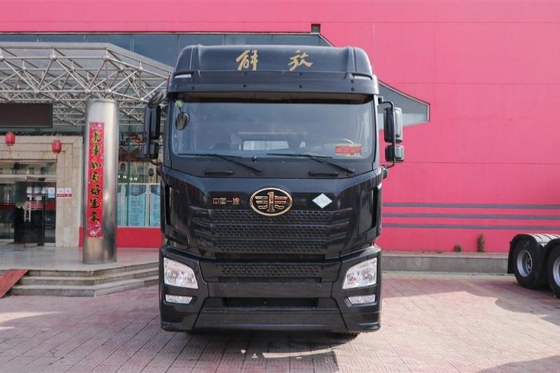 一汽解放青汽 JH6 领航版 460马力 6X4 国六 LNG牵引车(CA4250P25K2T1NE6A80)