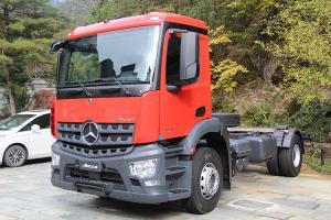奔驰 新Arocs重卡 580马力 8×4 国五 消防车专用车底盘