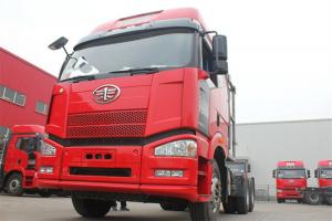 一汽解放 J6P重卡 390马力 6X4 国四LNG牵引车(CA4250P66T1A2E22M4)