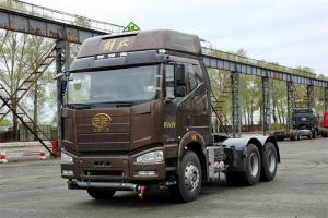 一汽解放 J6P重卡 标载型 390马力 6X4 国五LNG牵引车(CA4250P66T1A3E22M5)
