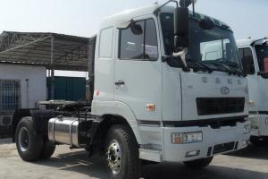 华菱之星 准重卡 261马力 4X2 国五牵引车(HN4180C34C4M5)