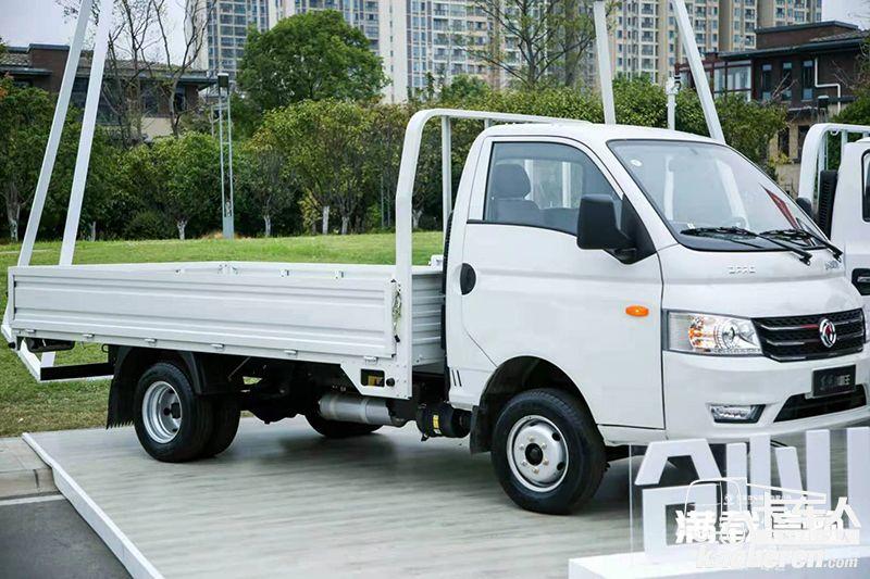 东风途逸 T5G 106马力 6×4 CNG 3.7米单排栏板小卡(国六)