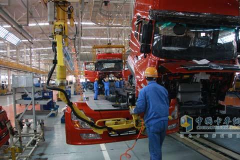 2009年,全力打造的东风商用车调达物流模式,结合了现代汽车行业物高清图片
