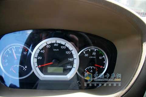 仪表盘仪表盘   陆风x9仪表盘   轿车仪表盘对比(2)_汽车_凤高清图片