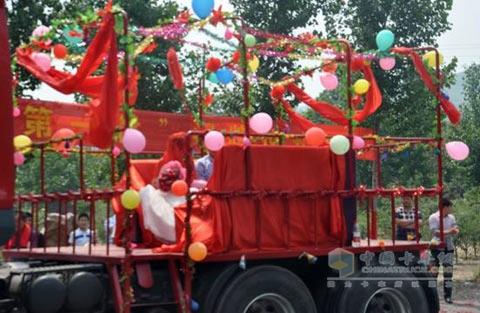 霸龙第一村 霸龙车队迎娶美丽新娘高清图片