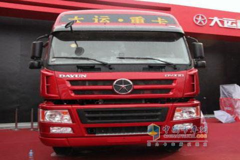 出口专供 大运重卡右舵牵引车试车 - 重卡 - 中国卡车