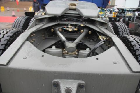 重载版威泺长头牵引车底盘结构